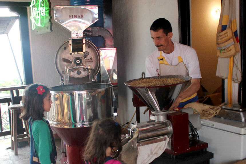 seccion-trillado5-kafe-loma-verde